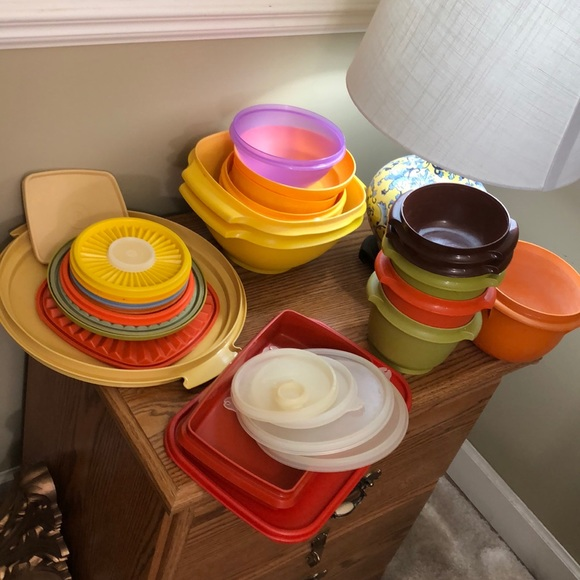 Lot of vintage Tupperware replacement pieces 30